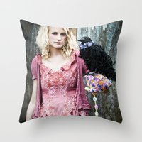 Talk to the bird Throw Pillow