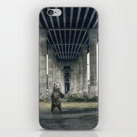 Bear sighting iPhone & iPod Skin