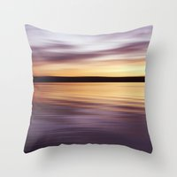 Horizont  Throw Pillow