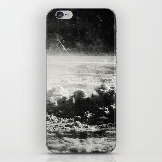 Somewhere Over The Clouds (I iPhone & iPod Skin