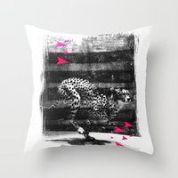 speed runner Throw Pillow