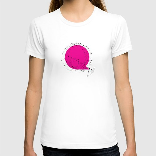Q (abstract geometrical type) T-shirt