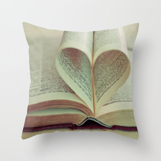 i heart books Throw Pillow