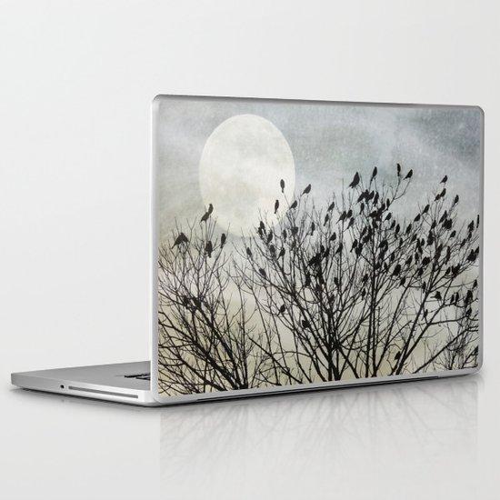 Travellers Roost Laptop & iPad Skin