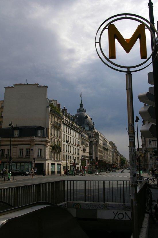 Street Scene, Paris, France Art Print