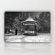 Two lovers missing the tranquility of solitude Laptop & iPad Skin
