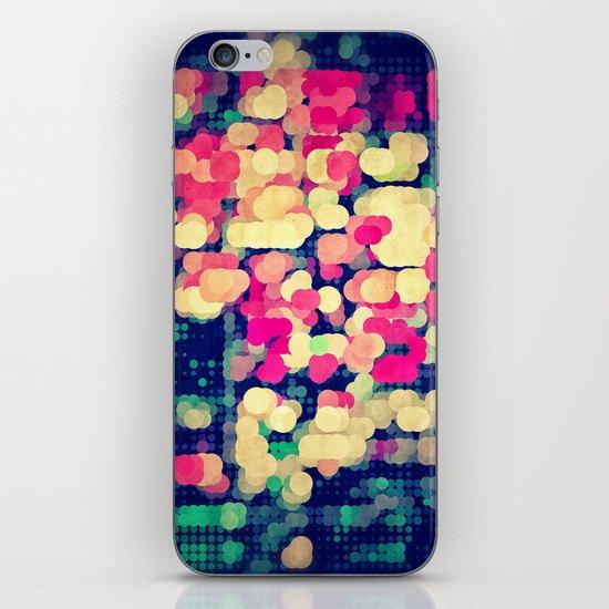 skyrt iPhone & iPod Skin