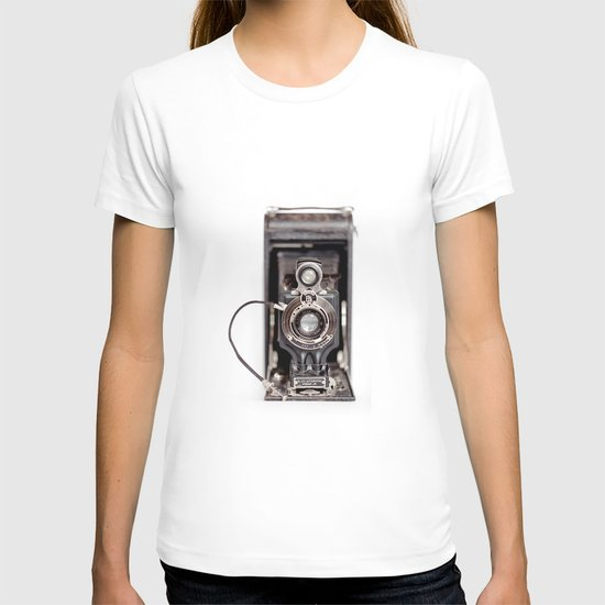 67-6 VINTAGE CAMERA COLLECTION  T-shirt