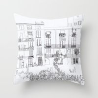 Algún Lloc Aprop Del Ca… Throw Pillow