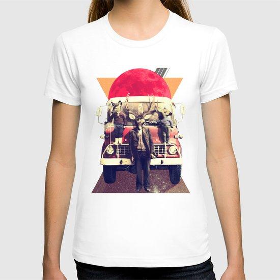 El Camion T-shirt