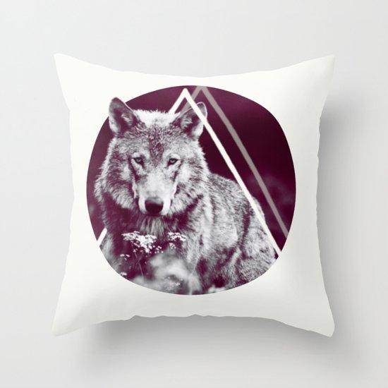WOLF I Throw Pillow