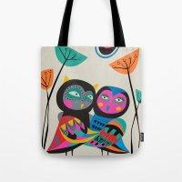 Owls hugging Tote Bag