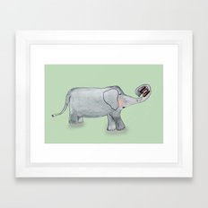 Elefant In Love Framed Art Print