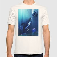 A STRANGE KISS Mens Fitted Tee Natural SMALL
