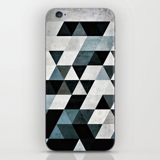 Pyly Pyrtryt iPhone & iPod Skin