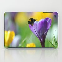 Bumble Bee on Crocus iPad Case