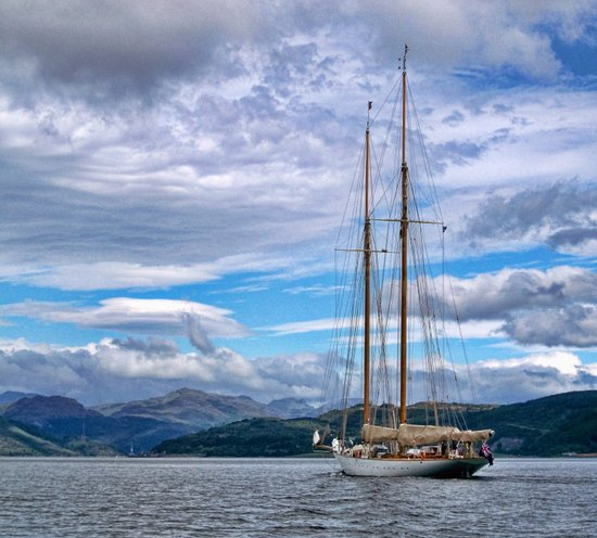 Schooner on the River Clyde Canvas Print