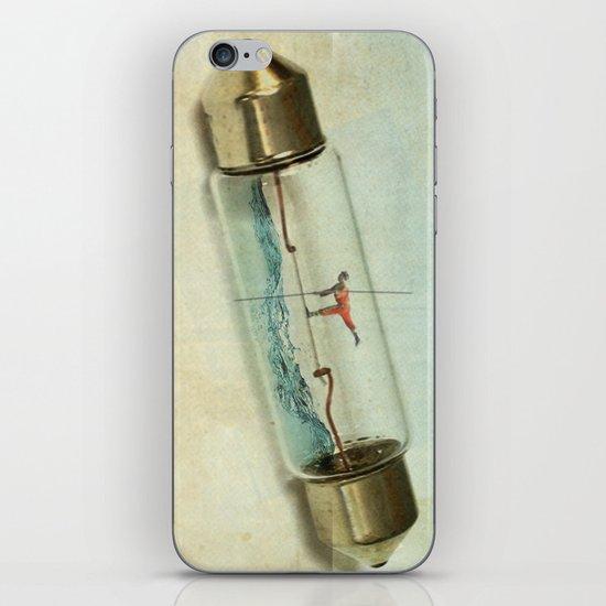 Fuse wire walker iPhone & iPod Skin
