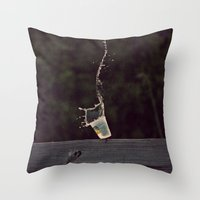 splish splash Throw Pillow