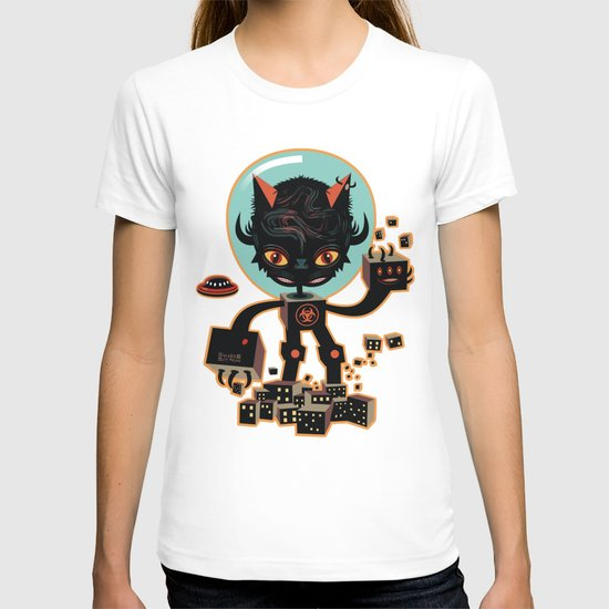 DJ Hammerhand cat - party at ogm garden T-shirt