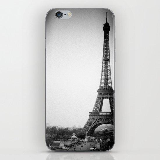Paris'2 iPhone & iPod Skin