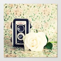 Old Camera And White Ros… Canvas Print