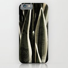 Reaching up Slim Case iPhone 6s