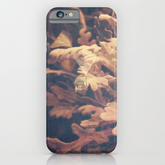 light outshines the darkness iPhone & iPod Case