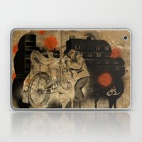 Bo-bo Steals A Ride (alt… Laptop & iPad Skin