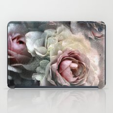 Vintage roses(7). iPad Case