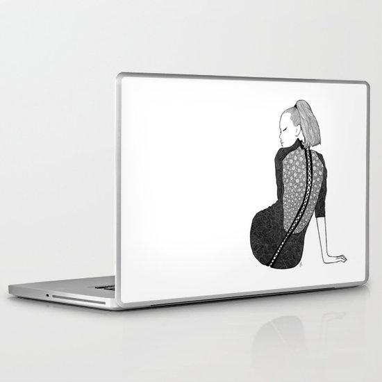 LA FEMME 13 Laptop & iPad Skin