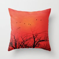 Die Vögel Throw Pillow