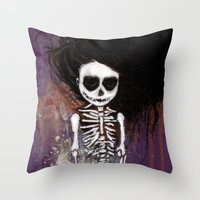 骸骨 壱 Throw Pillow