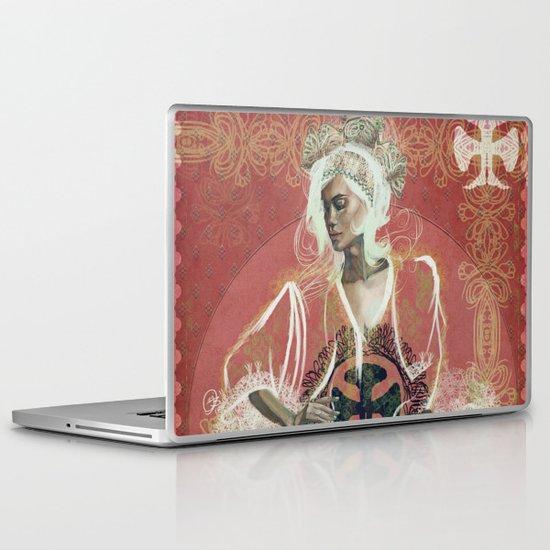 Queen Of Clubs Laptop & iPad Skin