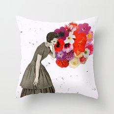 solea Throw Pillow