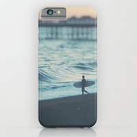 The Lone Surfer ...  iPhone 6 Slim Case