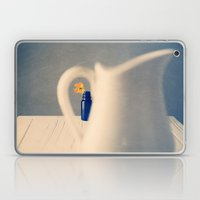 Peeping Laptop & iPad Skin