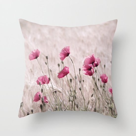 Poppy Pastell Pink Throw Pillow