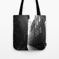 The Alley Photo In Black… Tote Bag