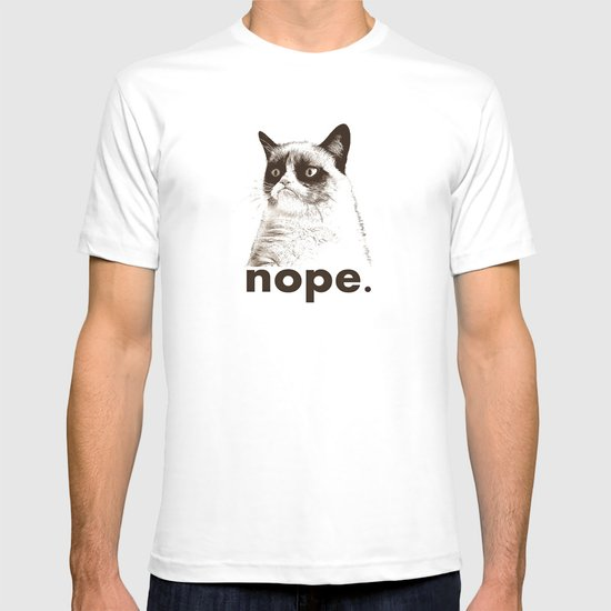 NOPE - Grumpy cat. T-shirt