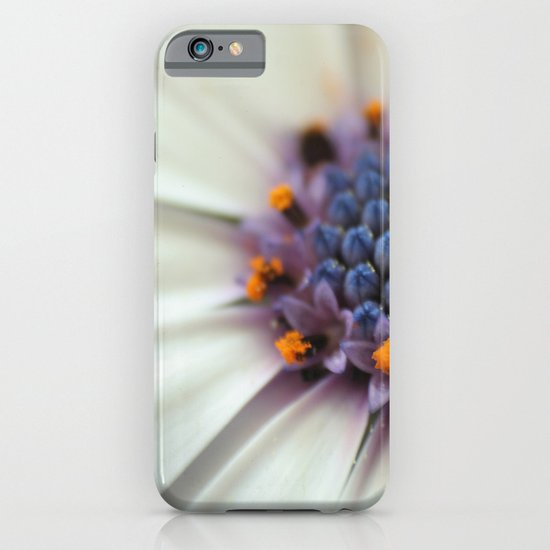 Cap Daisy Macro iPhone & iPod Case