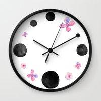 Flora dots Wall Clock