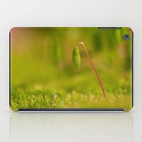 Moss germ, Alone in a green Land iPad Case