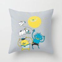 It's A Nice Day To Play! Throw Pillow