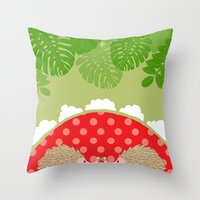 hedge-hug Throw Pillow