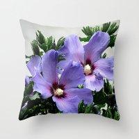 Hibiskus Throw Pillow
