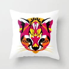 güiña 02 Throw Pillow