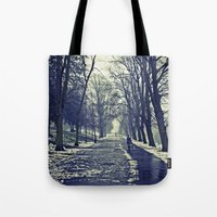 A walk through the park I Tote Bag