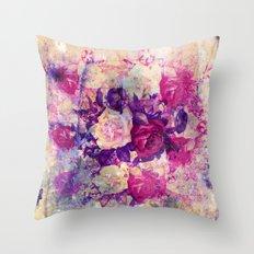 Bouquet De Roses Throw Pillow