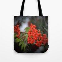 Rote Beeren Tote Bag
